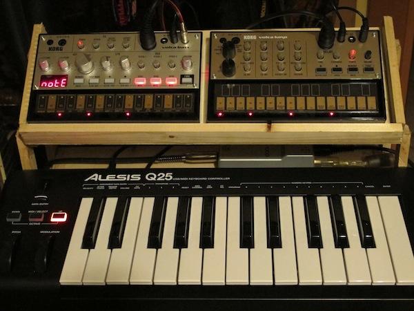 Comò Sonoro synth e tastiera